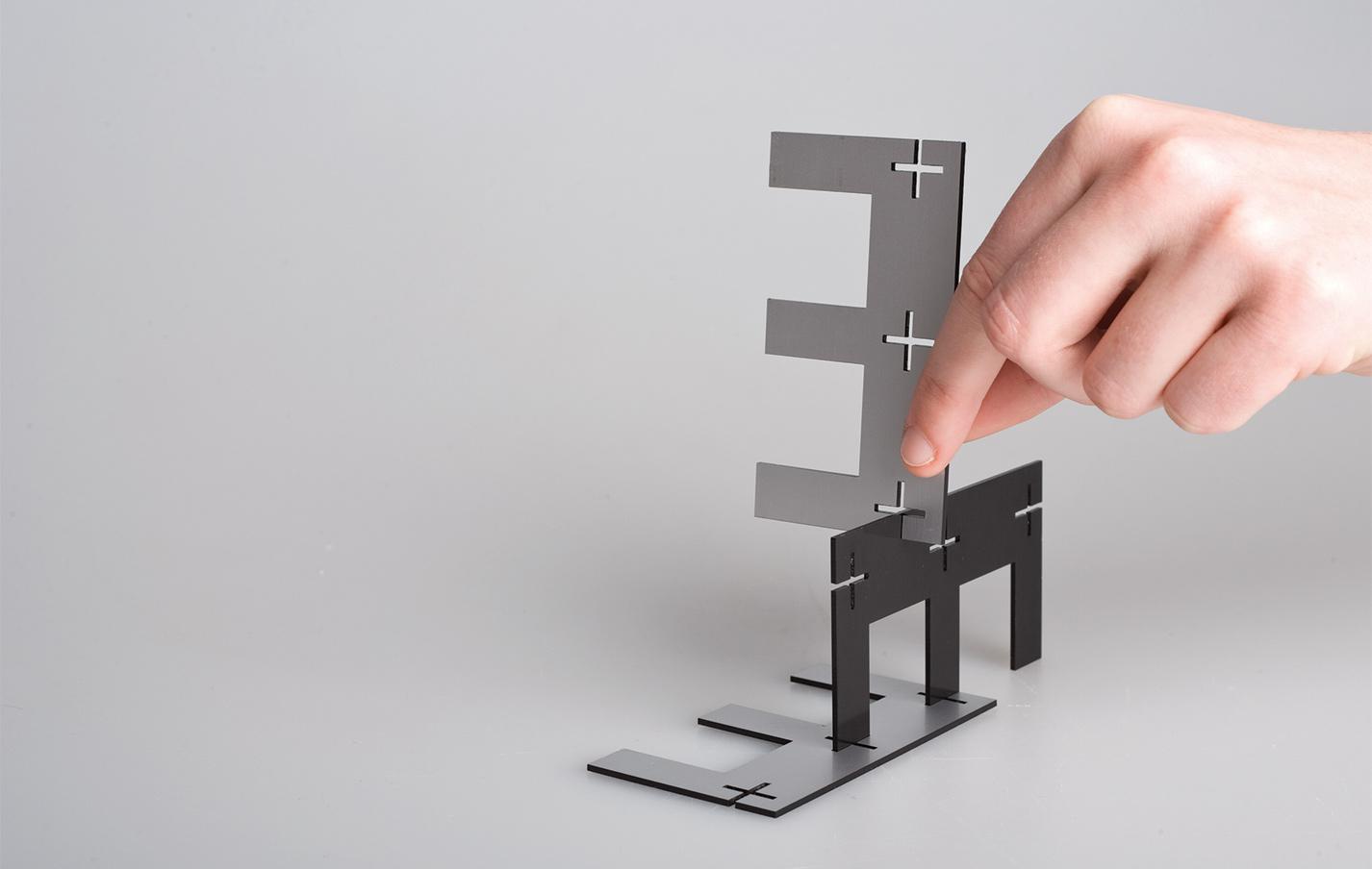 Esteck Steckskulptur Buchstaben Spiel